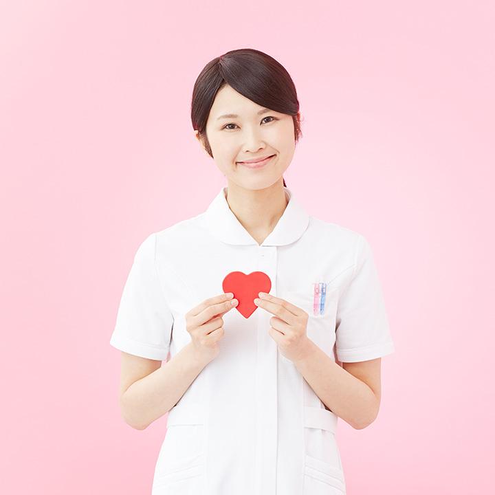 治療に携わる看護師